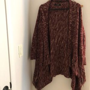 Maroon and white three-fourths length cardigan.